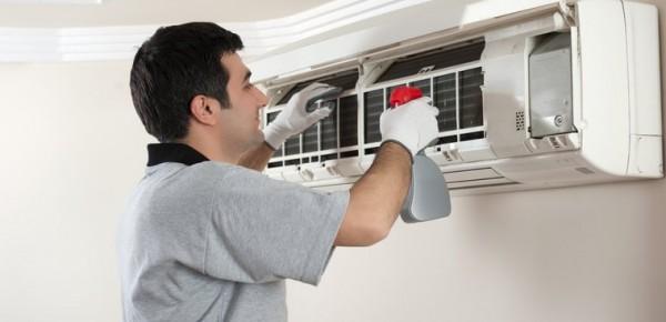 3 lý do cần phải bảo trì và vệ sinh máy điều hoà thường xuyên