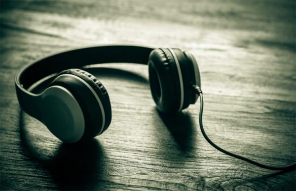 Âm nhạc biểu thị tính cách nhãn hàng trong phim giới thiệu doanh nghiệp