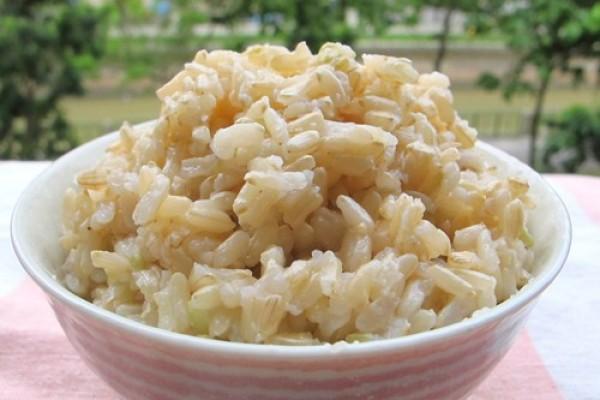 Ăn cơm gạo lứt có giảm cân không ?