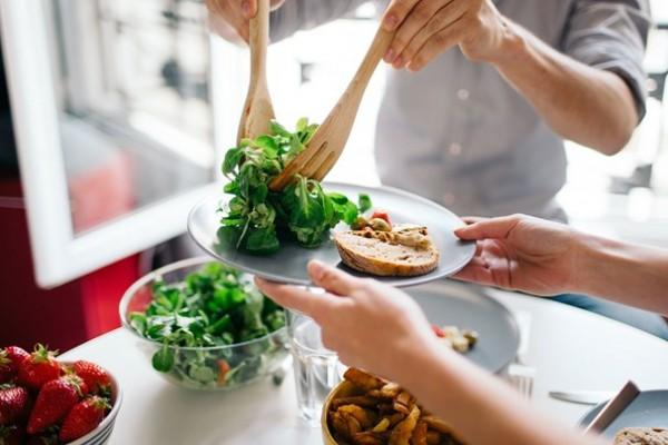 Ăn uống lành mạnh giúp đảm bảo được cân nặng