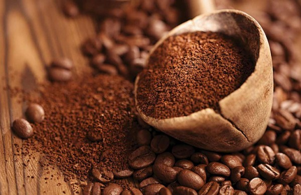 Bã cà phê là nguyên liệu tuyệt vời trong công cuôc khử mùi hôi