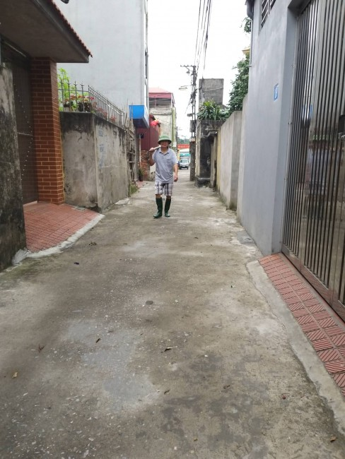 Bán 60m2 đất chính chủ Thạch Bàn, Long Biên, đường rộng giá 3.2 tỷ có thương lượng.