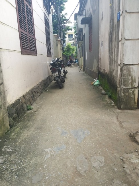 Bán đất tổ 1 phường Long Biên, gần cầu Vĩnh Tuy DT 55m2 giá 1.6 tỷ.