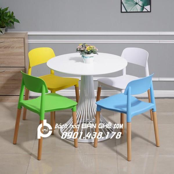 Bàn ghế ăn, bàn ghế nhựa nhập khẩu giá Sinh Viên