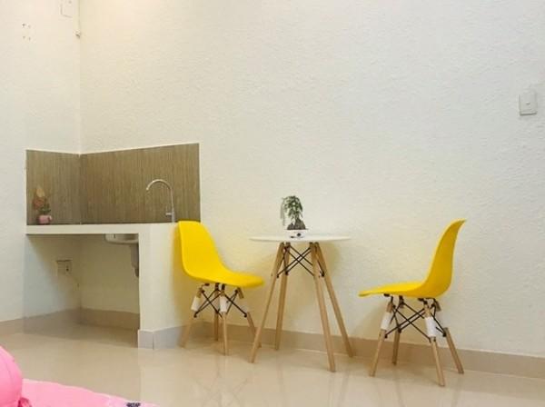 Bàn ghế nhập khẩu cho phòng khách mini, phòng trọ đẹp giá rẻ