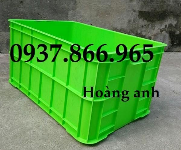 Bán khay nhựa đặc có nắp dùng trong nhà máy, thùng nhựa bít, sóng nhựa đặc