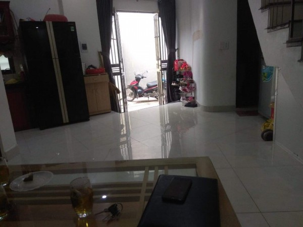 Bán nhà 2 tầng – 3 ngủ ở Thạch Bàn, Long Biên chỉ 1.68 tỷ.