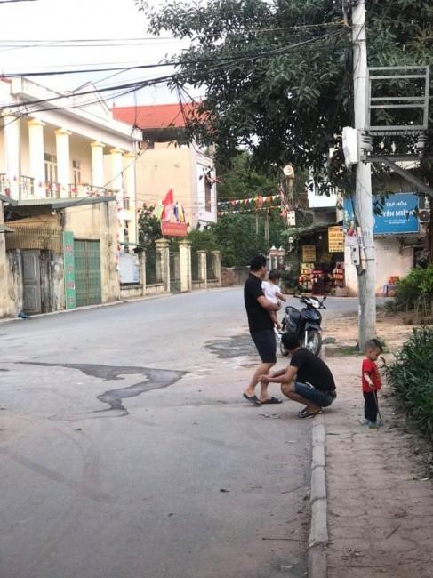 Bán nhà 2 tầng đường ô tô tránh nhau giá 1.8 tỷ tại Trâu Quỳ, Gia Lâm, Hà Nội. Lh 0327916262