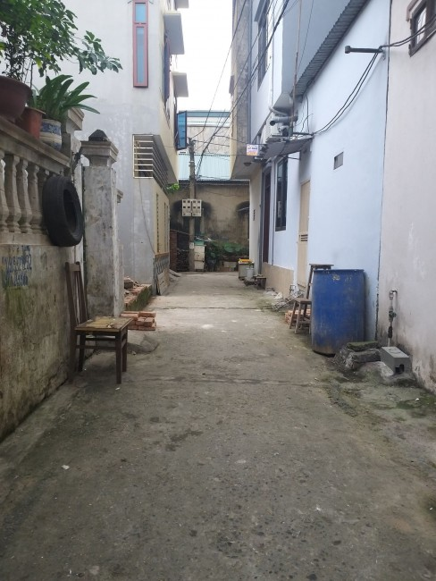 Bán nhà 3 mặt thoáng thôn Vàng, Cổ Bi, chia đôi được giá chỉ 38 tr/m2.