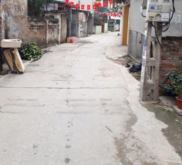 Bán nhanh lô góc 50m2, ô tô vào ở phố Trạm, Long Biên.