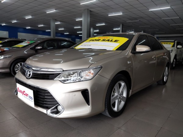 Bán xe Toyota Camry 2.5Q, đời 2016, màu Vàng nâu, giá 830 triệu