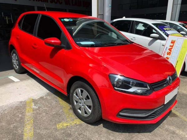 Bán xe Volkswagen Polo Sedan, đời 2016, màu Đỏ, nhập khẩu Ấn Độ, giá 386 triệu