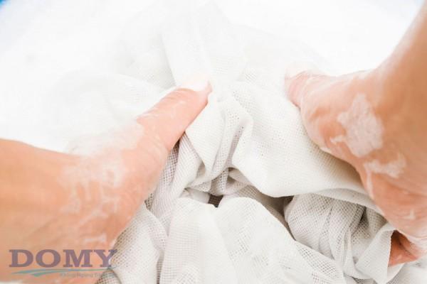 Bật mí cách thức Giặt Rèm Cửa Tại Nhà Đúng bí quyết