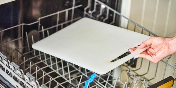 Bí kíp giúp xử lý nấm mốc trên thớt nhựa