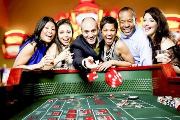 Bí quyết kiếm tiền từ điểm yếu của sòng bài dễ hay khó ?