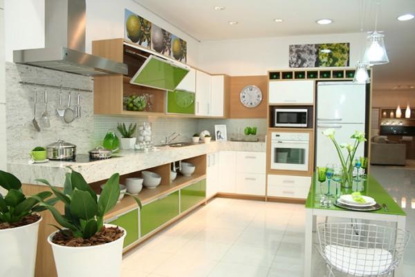 Biến tấu về màu sắc và nội thất phòng bếp