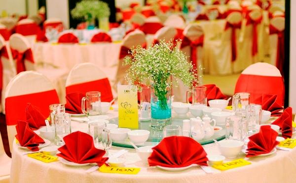 Bỏ túi những kinh nghiệm phục vụ tiệc cưới