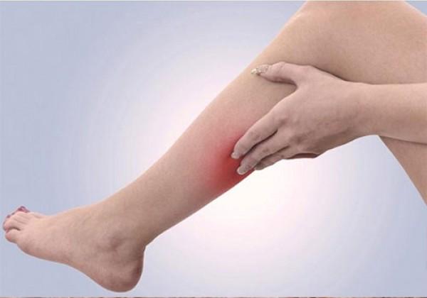 Các cách trị viêm lỗ chân lông ở bắp chân tại nhà hiệu quả
