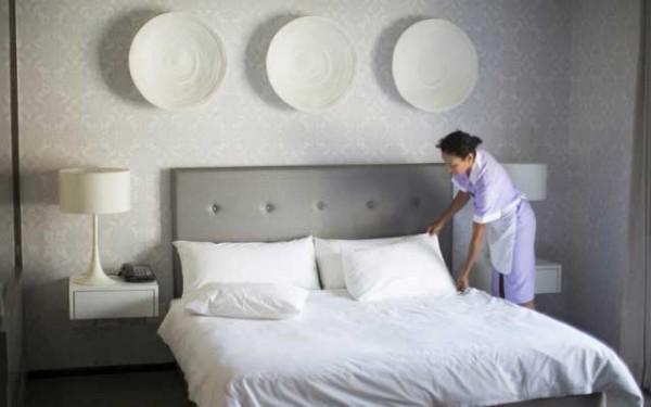 Cách vệ sinh giường khách sạn hiệu quả nhanh chóng