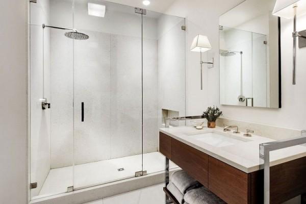 Cách vệ sinh kính nhà tắm hiệu quả