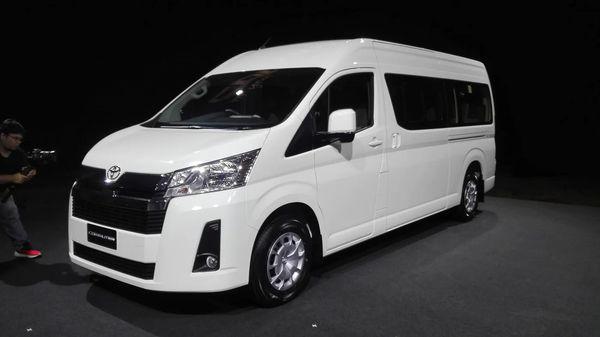 Cập nhật hãng Toyota Hiace mới nhất tại Đà Nẵng