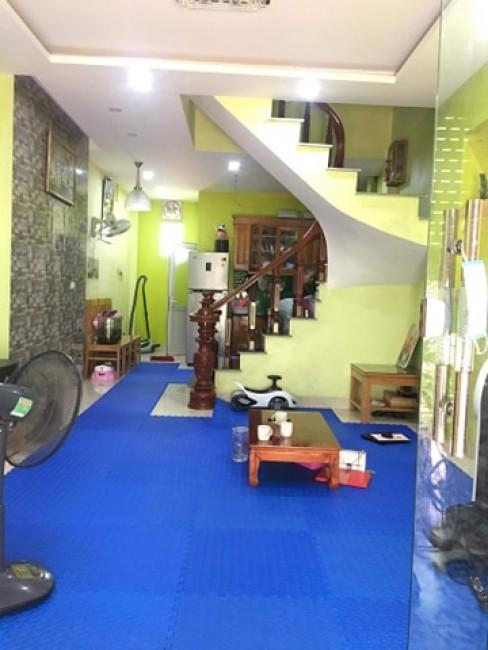 Chính chủ bán nhà ở Trâu Qùy, Gia Lâm để lại full đồ, DT 43.8m2 giá chỉ 1,9 tỷ.