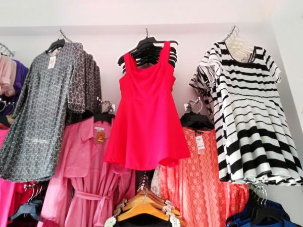 Chuyên bán sỉ áo thun nữ, áo đầm đẹp giá sỉ siêu mềm