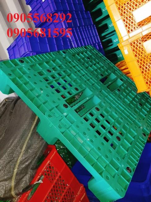 Chuyên cung cấp các loại pallet nhựa kê hàng nặng, nhẹ giá cực rẻ 0905681595