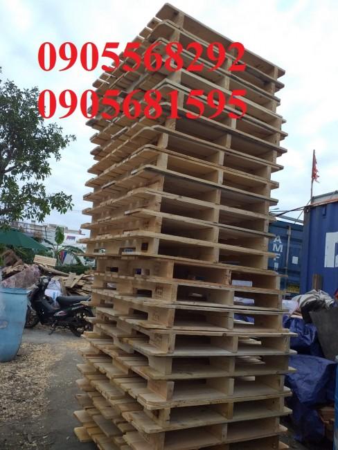 Chuyên cung cấp và cho thuê pallet nhựa pallet gỗ giá cực rẻ 0905681595