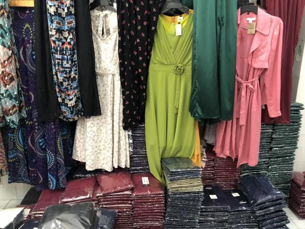 Chuyên sỉ áo thun nữ giá rẻ đa dạng mẫu hàng dành cho khách sỉ vào mùa hè