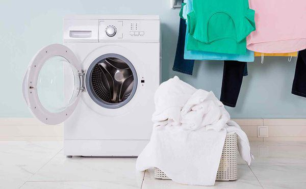 Có cần đóng cửa mát giặt sau khi sử dụng?