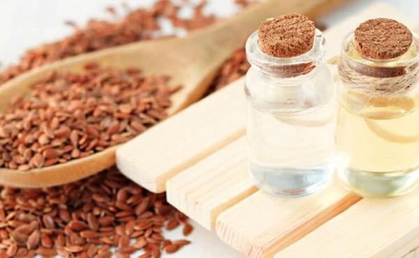Có nên áp dụng dầu hạt lanh vào chế độ ăn uống hàng ngày?