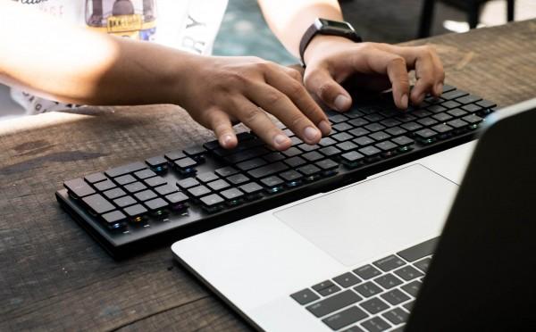 Có nên mua bàn phím bluetooth giá rẻ không?
