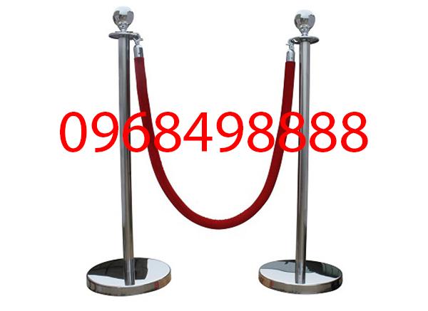 Cột chắn inox dây căng - vật dụng quan trọng trong các sân bay - Poliva.vn