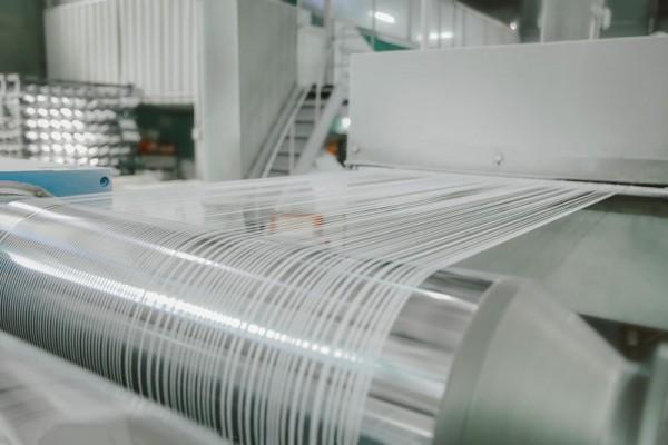 Cung cấp giải pháp điều hòa nhiệt độ cho nhà xưởng sản xuất bao bì, nhựa
