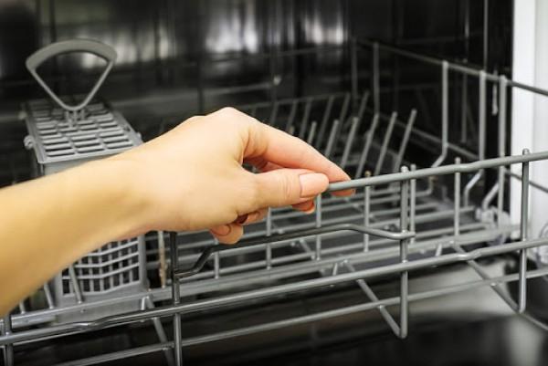 Đánh bật mùi hôi và cặn bẩn trong nhà bạn