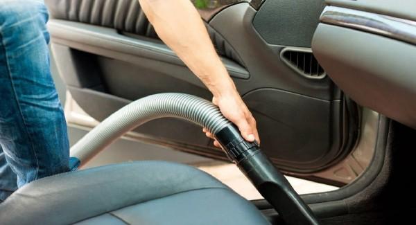 Đánh bay mùi ám thuốc lá trên xe hơi