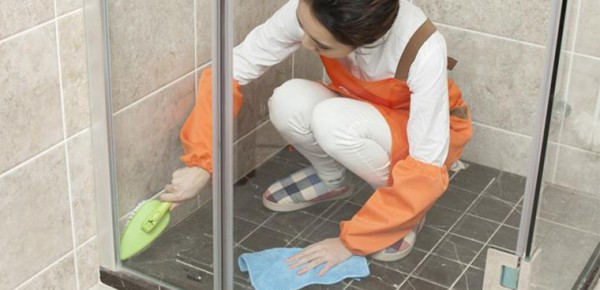 Đánh bay mùi hôi nhà vệ sinh nhanh nhất