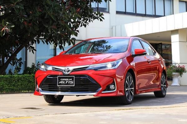 Đánh giá chi tiết dòng xe Toyota Corolla Altis đẹp nhức nách