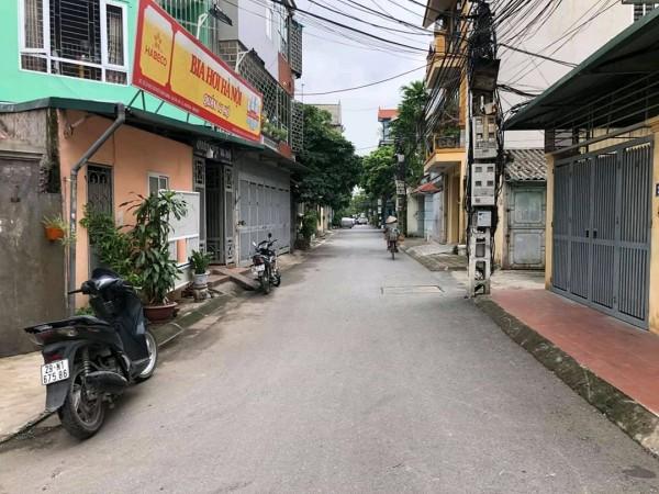Đất Thị trấn Trâu Qùy, Gia Lâm, đường rộng 5m, đường thông ô bàn cờ.