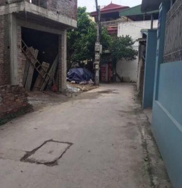 Đất Trâu Qùy DT 34m2 x 3.9m, chỉ 50m ra mặt phố Ngô Xuân Quảng.