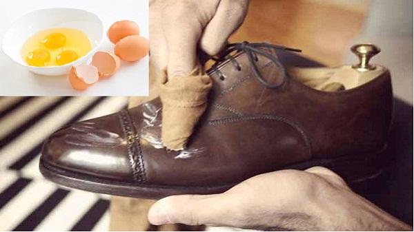 Đau đầu vì đôi giày da đắt tiền bị bong tróc