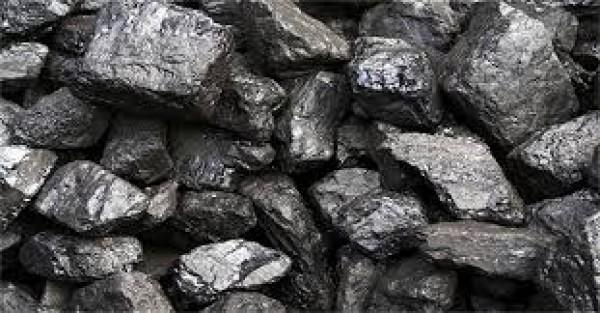 Dầu mỏ là loại dầu khoáng vật có màu nâu hoặc đen