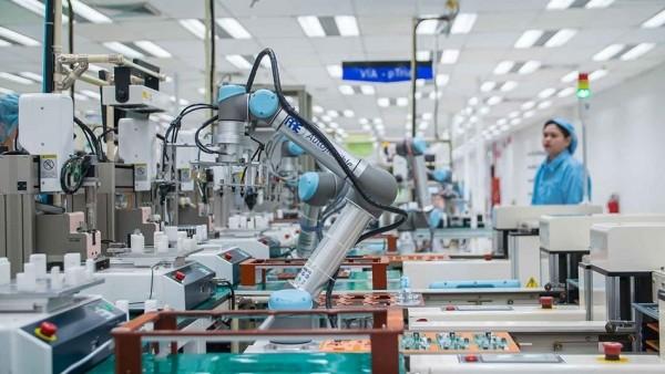 Dây chuyền sản xuất robot công nghiệp tự động hóa