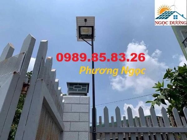Đèn LED pha sử dụng năng lượng mặt trời, đèn led chiếu sáng năng lượng mặt trời