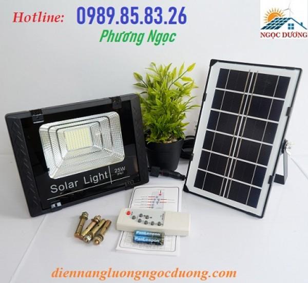 Đèn năng lượng mặt trời 25W, đèn led pha công suất 25W, đèn mặt trời