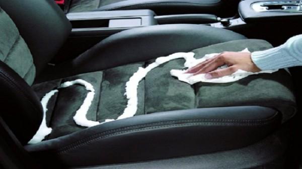 Dọn sạch nội thất và cách khử mùi trên ô tô tốt