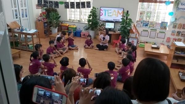 Dự án Giờ Xanh của Trung tâm Giáo dục kỹ năng