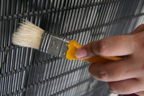 Dùng sơn sáng màu để quét phòng cũng là một giải pháp tiết kiệm điện