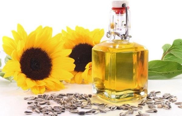Dưỡng da khô hiệu quả với 7 loại tinh dầu